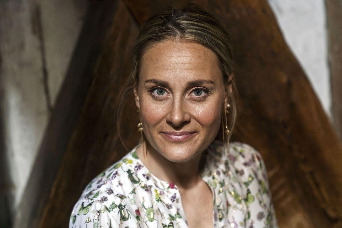 TV-vært på DR, Mette Bluhme Rieck, er gravid. Det bekræfter hun på Instagram.