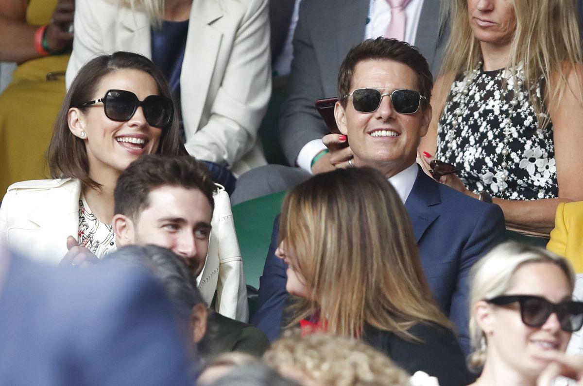 Billedet her er fra den 10. juli, hvor Hayley Atwell og Tom Cruise blev spottet sammen på tilskuerpladserne ved Wimbledon tennis-turneringen i London.