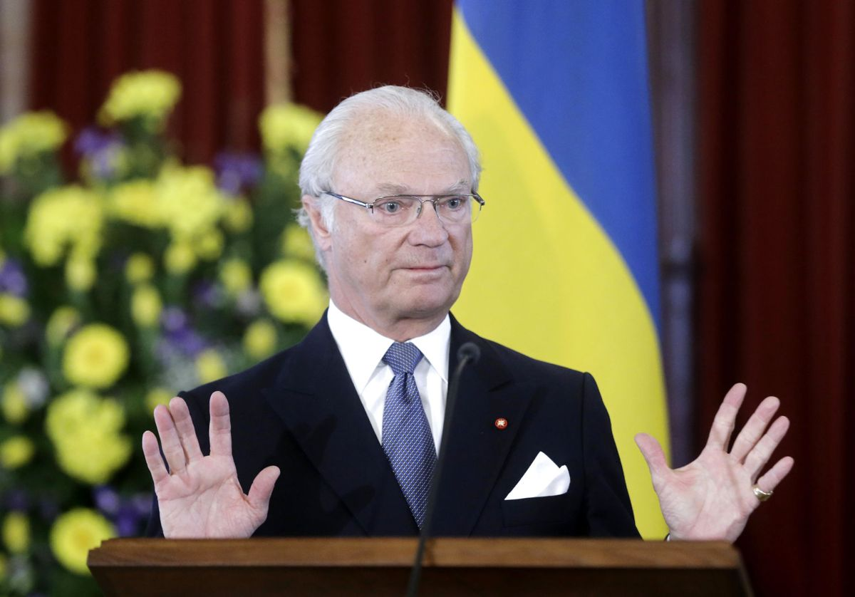 Den svenske konge stiller sig positiv overfor fremadrettet at skabe mere gennemsigtelighed i sin økonomi.