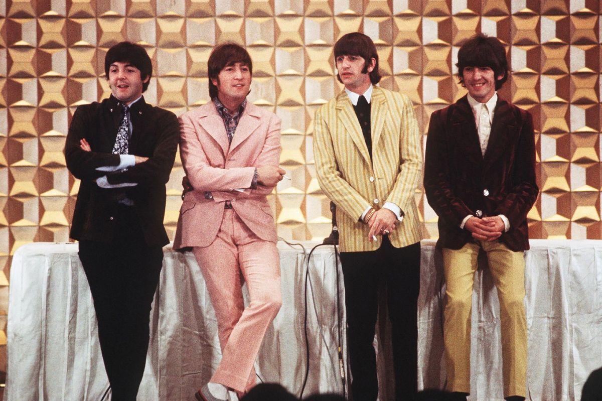 The Beatles fotograferet i Tokyo i 1966. Fra venstre er det Paul McCartney, John Lennon, Ringo Starr og George Harrison. McCartney og Ringo Starr lever fortsat. (Arkiv)