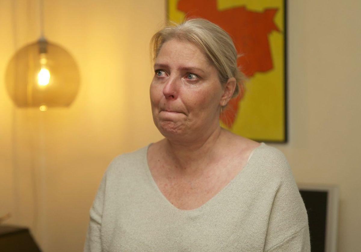 Selv om Tine lider af sklerose, så bruger hun rigtig mange penge på usunde ting såsom cigaretter, fastfood og sodavand.