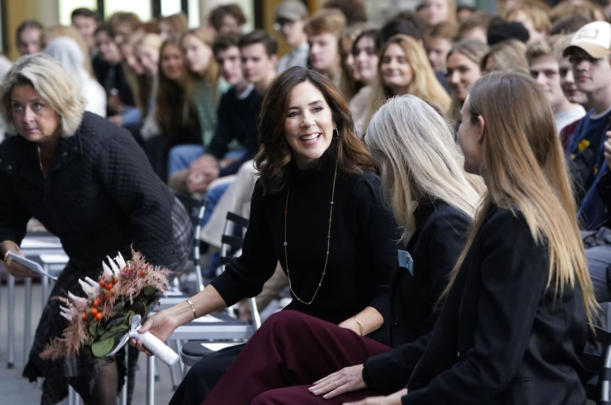 Kronprinsesse Mary ved FN's Internationale Pigedag på Nærum Gymnasium.
