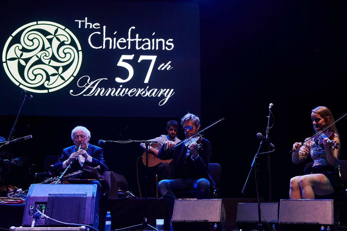 The Chieftains med Paddy Moloney længst til venstre.