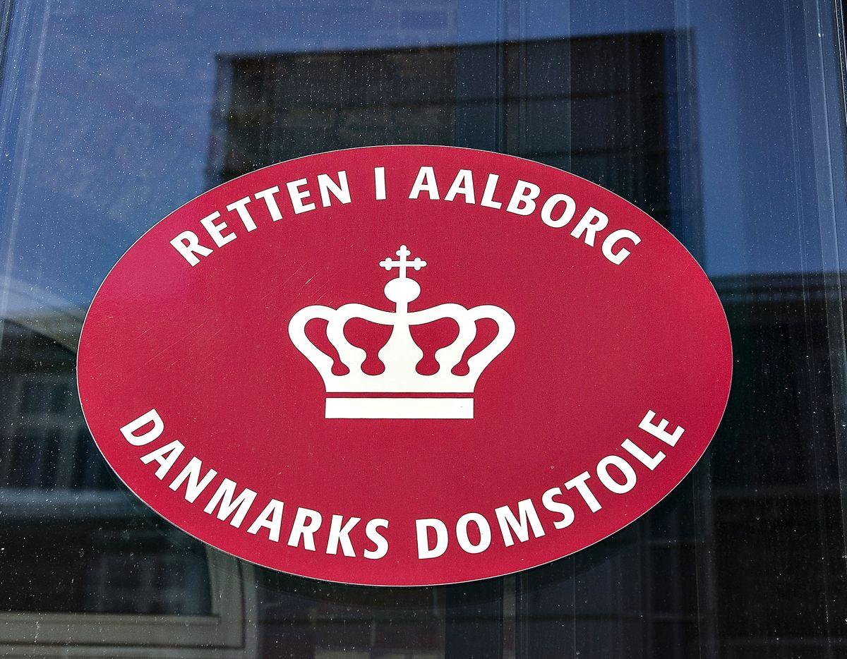 En mand er ved Retten i Aalborg dømt for voldtægt af sin eks-kæreste.
