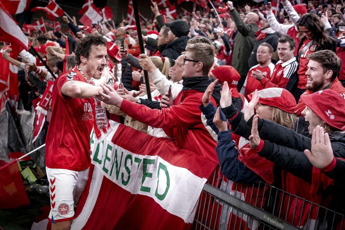 Thomas Delaney sagde tak til de danske fans efter sejren over Østrig.