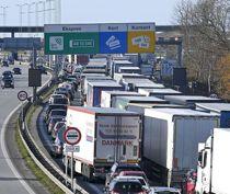 Trafikkaos: Timelang kø