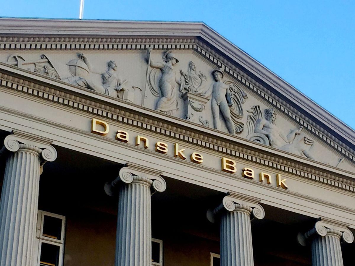 Danske Bank er i store problemer og beklager overfor kunderne